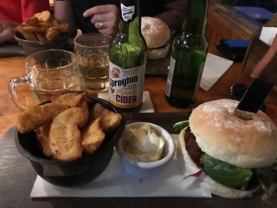 Peppers Cradle Mountain Lodge Tavern Bar  Bistro - Accommodation QLD