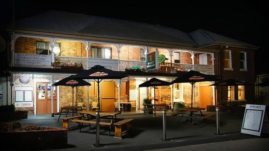 Sheffield Hotel - Accommodation QLD