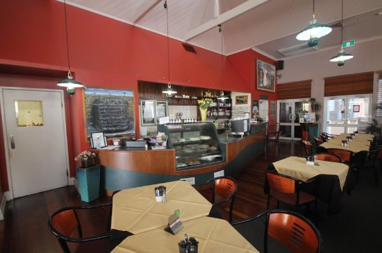 Henry's Cafe and Restaurant - Accommodation QLD
