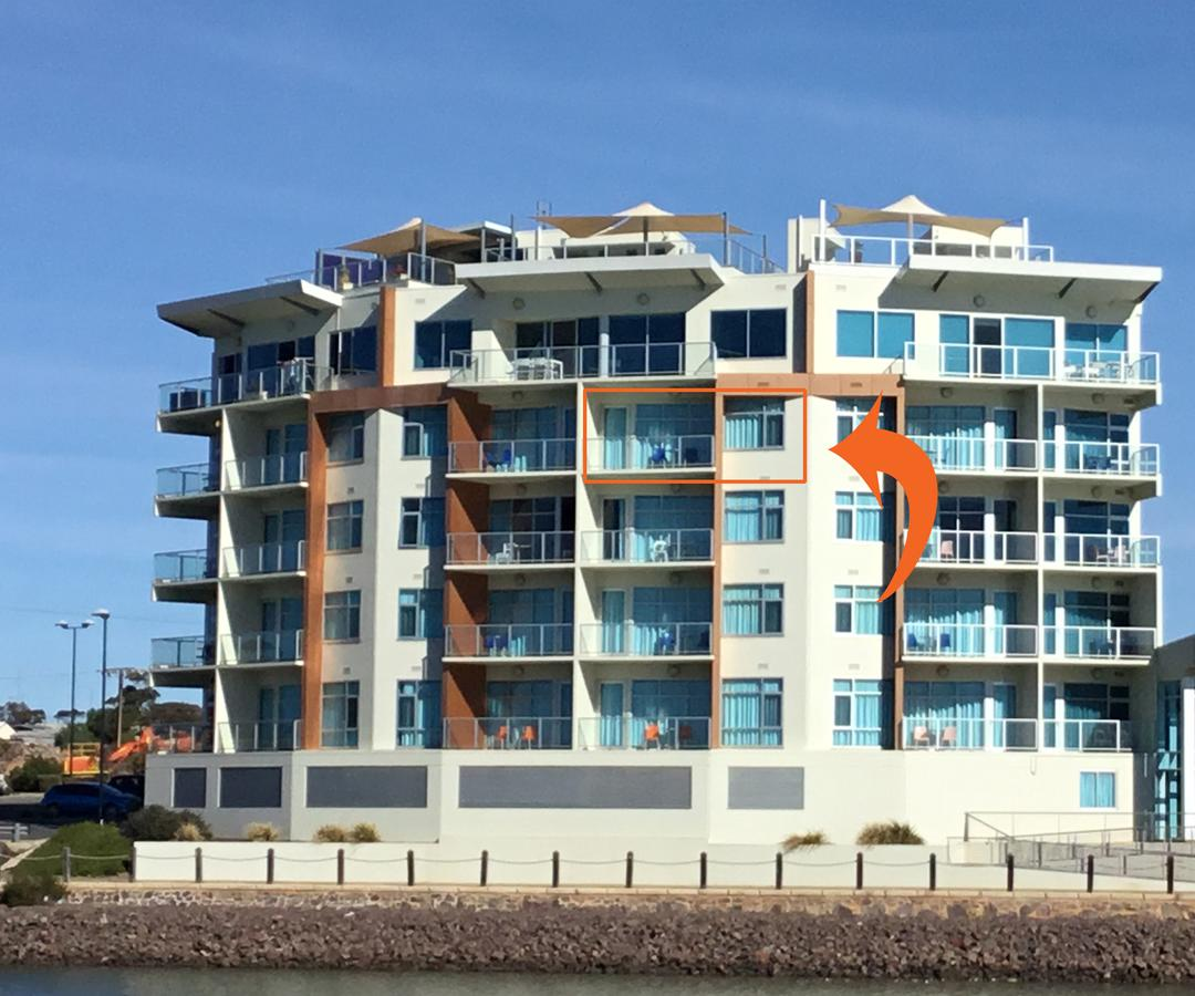 Wallaroo Marina Waterfront Luxe Apartment - Accommodation QLD