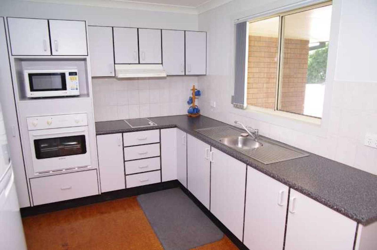Bellhaven 1 17 Willow Street - Accommodation QLD