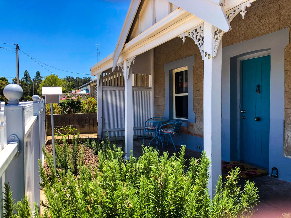Inglenook Cottage - Accommodation QLD