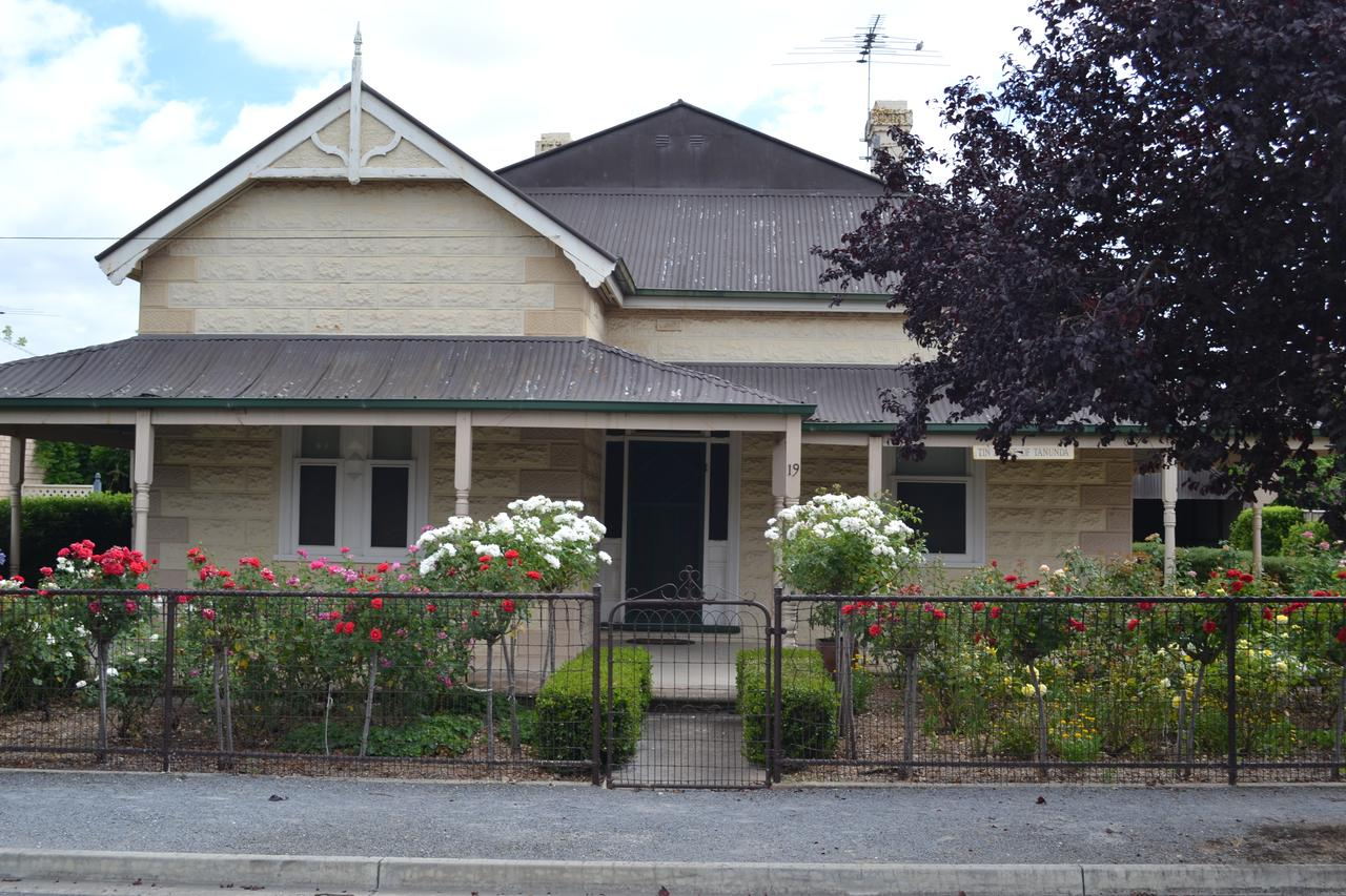 Tin House in Tanunda - Accommodation QLD