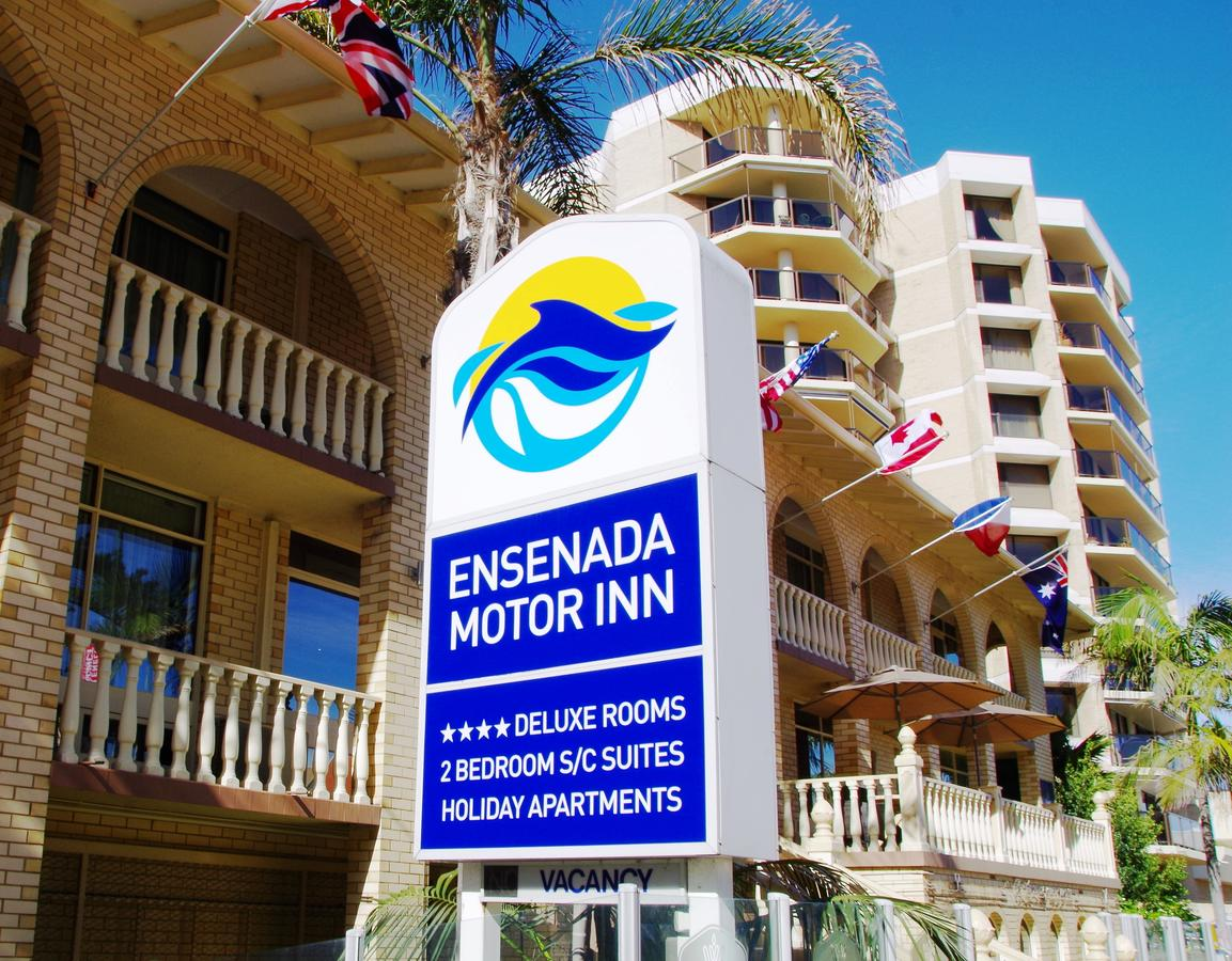 Ensenada Motor Inn and Suites - Accommodation QLD