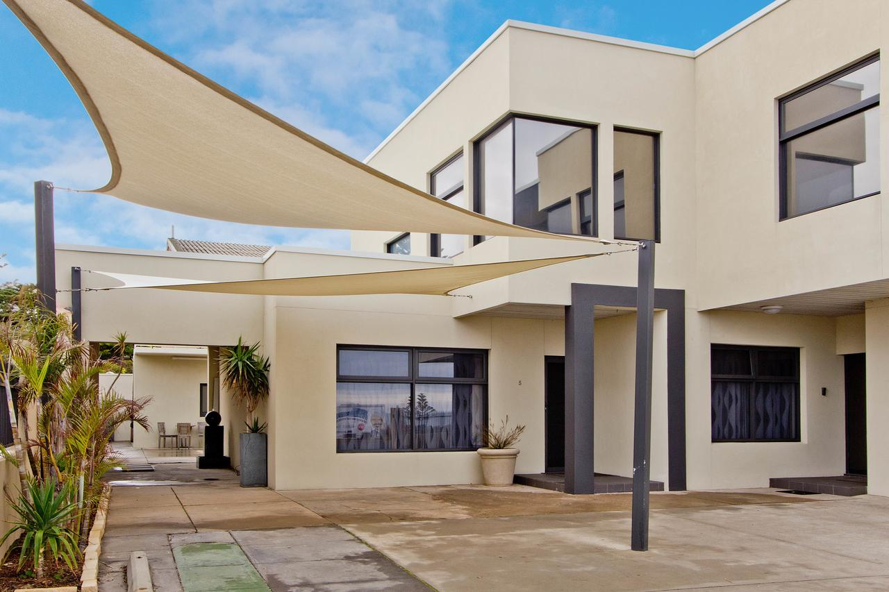 Atlantic West Beach Apartments - Accommodation QLD