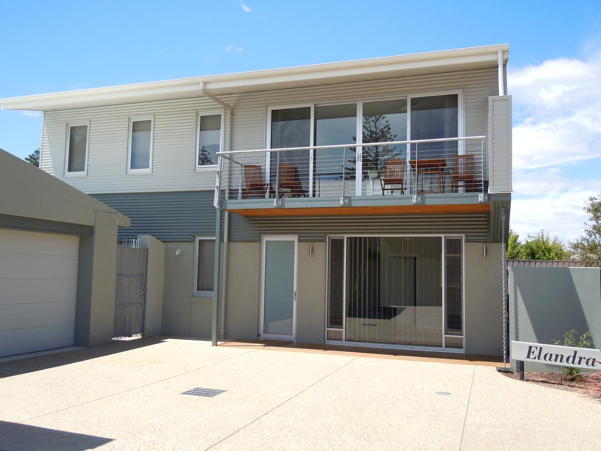 Elandra Holiday Home - Accommodation QLD