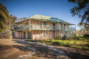Lindsay House Homestead - Accommodation QLD