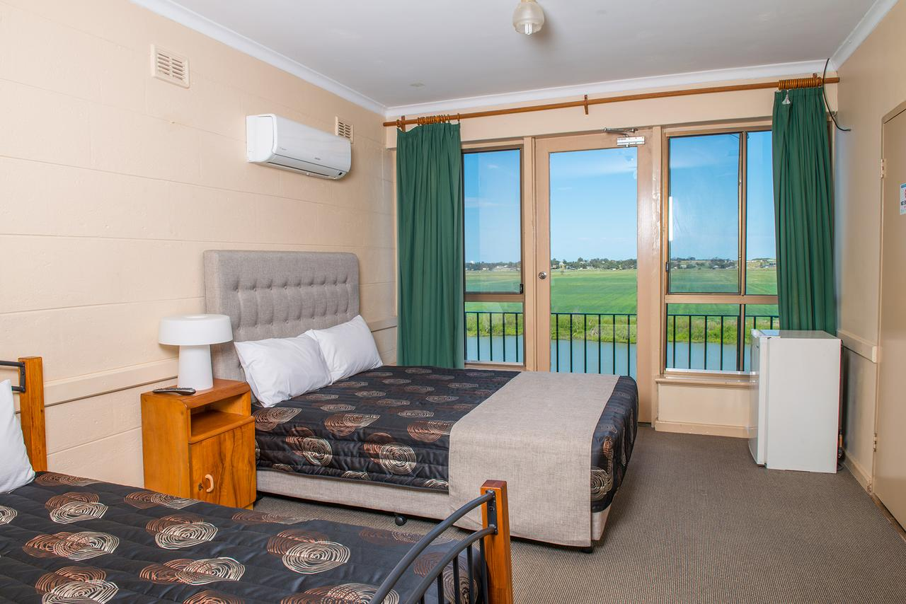 Tailem Bend Riverside Hotel - Accommodation QLD