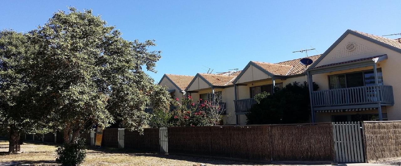 Townhouse On The Marina - Accommodation QLD