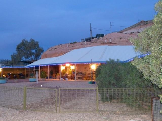 The Underground Motel - Accommodation QLD