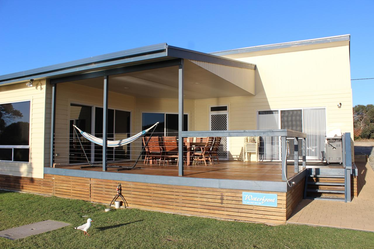 Waterfront on Osprey - Accommodation QLD