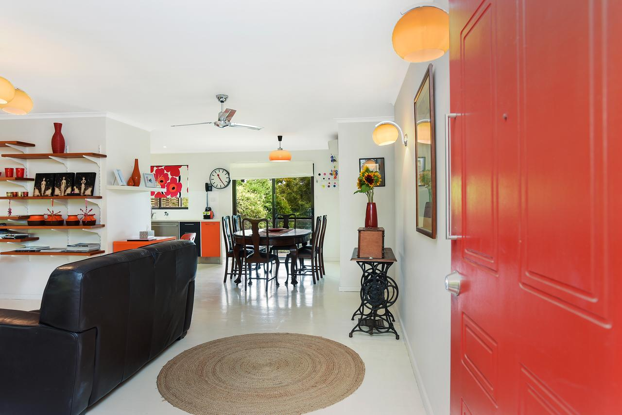 Red Door - Accommodation QLD