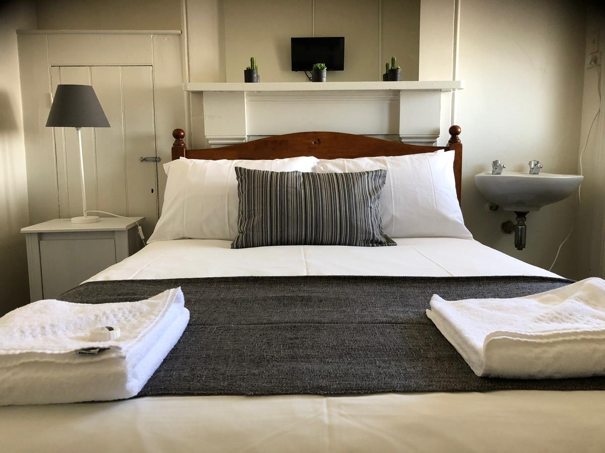 Cornwall Hotel - Accommodation QLD