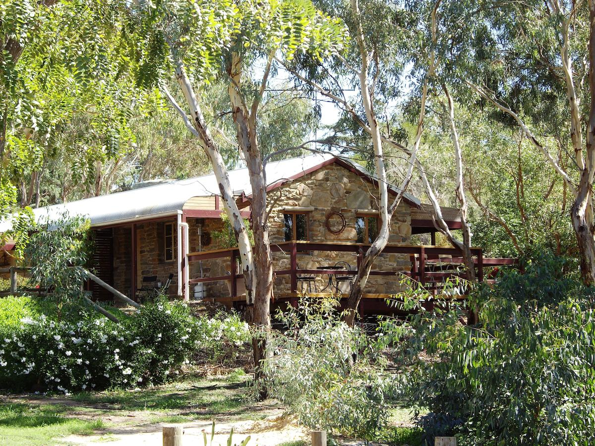 1860 Wine Country Cottages - Accommodation QLD