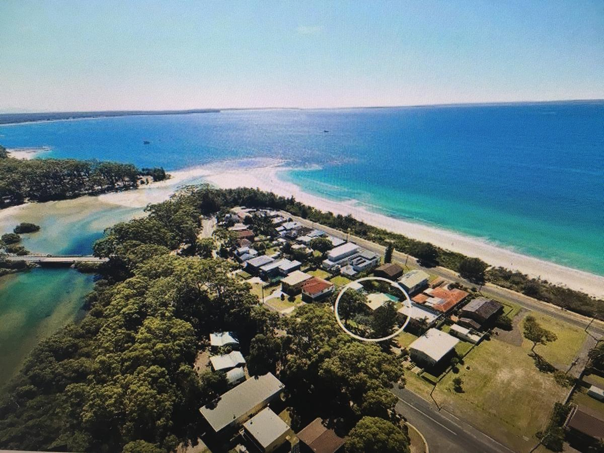 Arena Blanca Holiday Home - Accommodation QLD