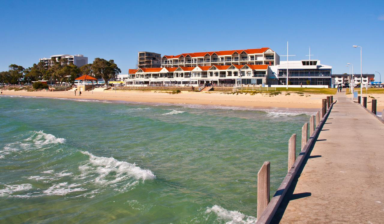 Boardwalk By The Beach - Accommodation QLD