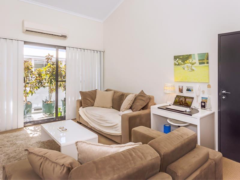 Home Apartment - Perth City Centre - Free WiFi - Accommodation QLD