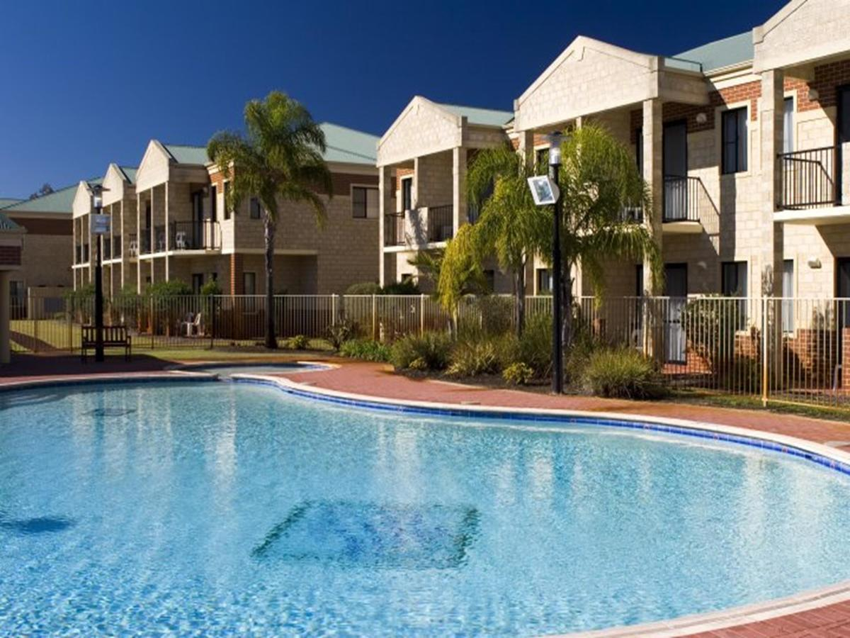 Country Comfort Perth - Accommodation QLD