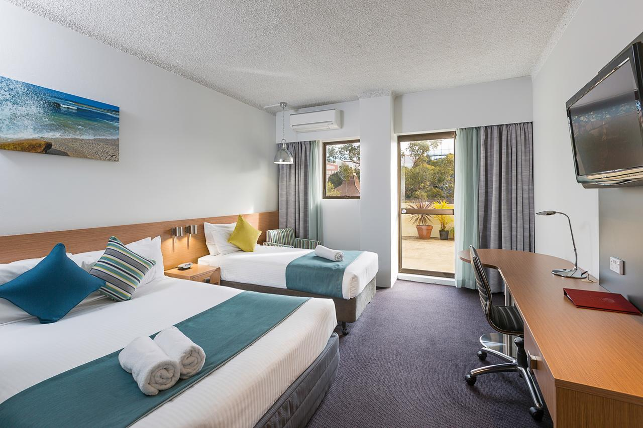 Metro Hotel Miranda - Accommodation QLD