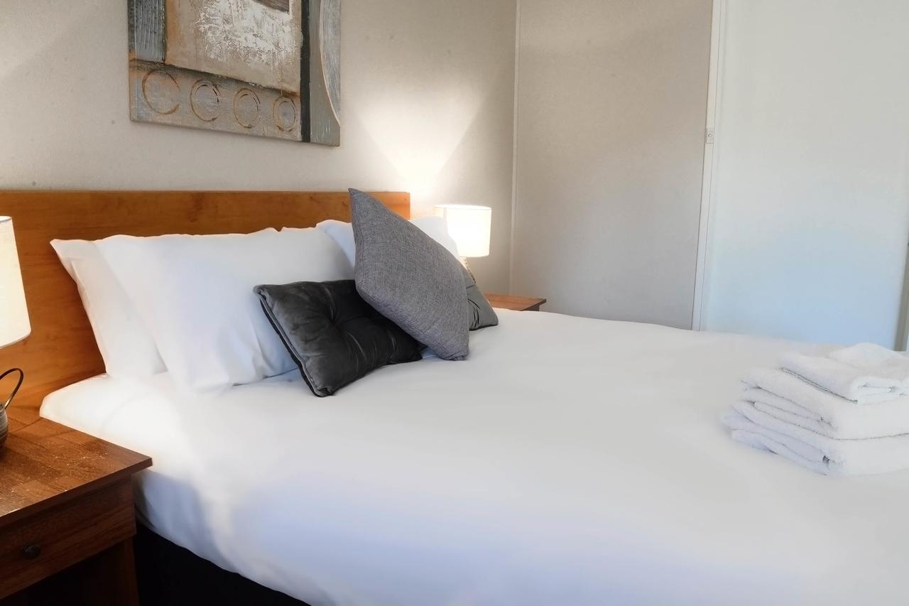 Almond Inn - Accommodation QLD