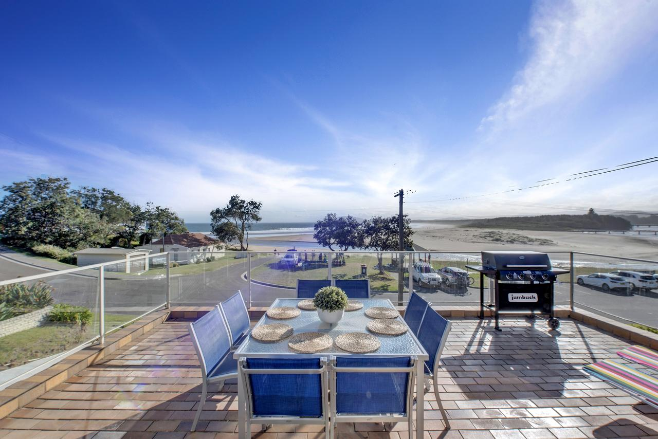 The Rotunda  Gerroa - Pet Friendly Beachfront - Accommodation QLD