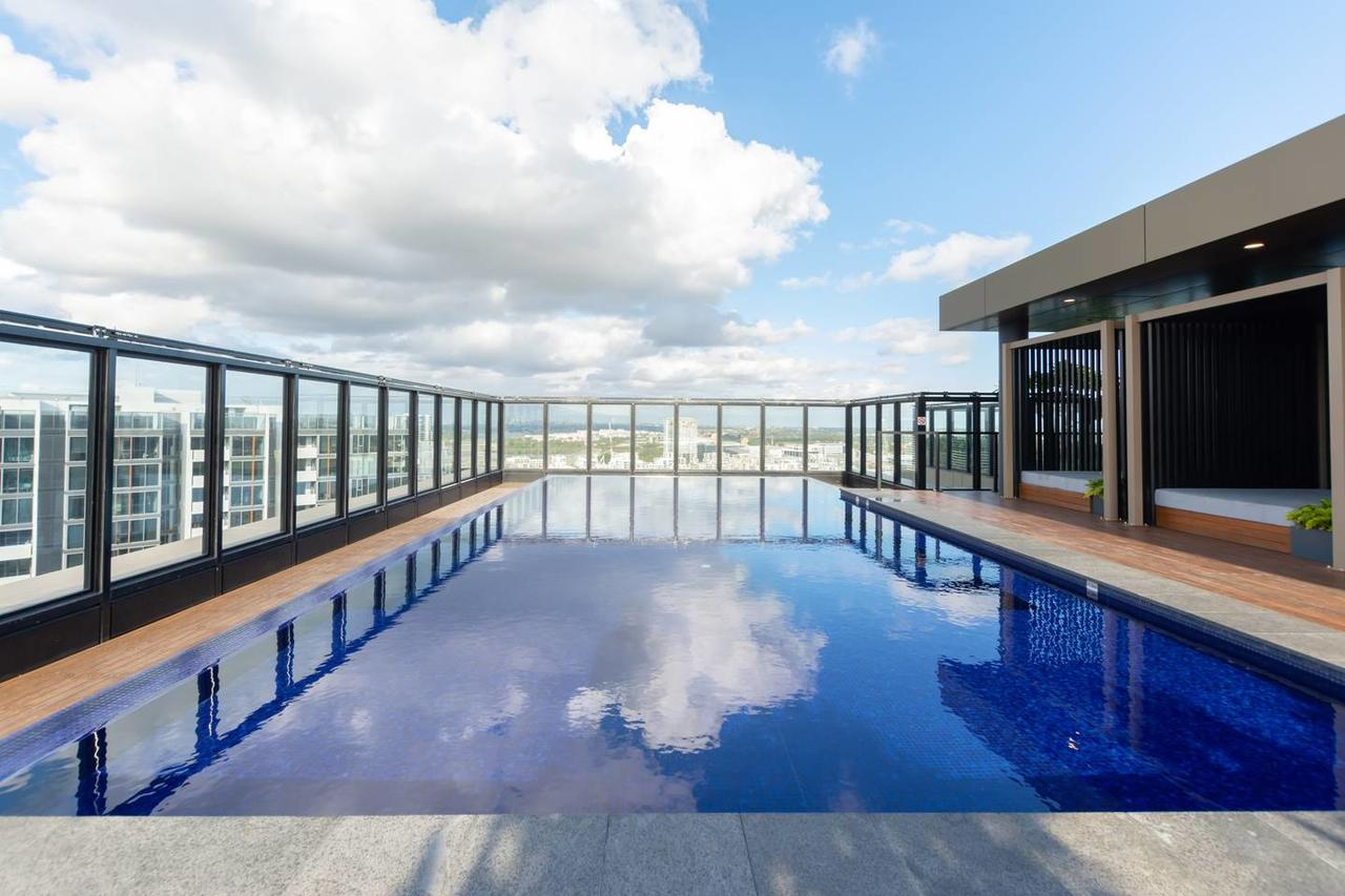Japanese Style waterfront apt wt rooftop pool - Accommodation QLD