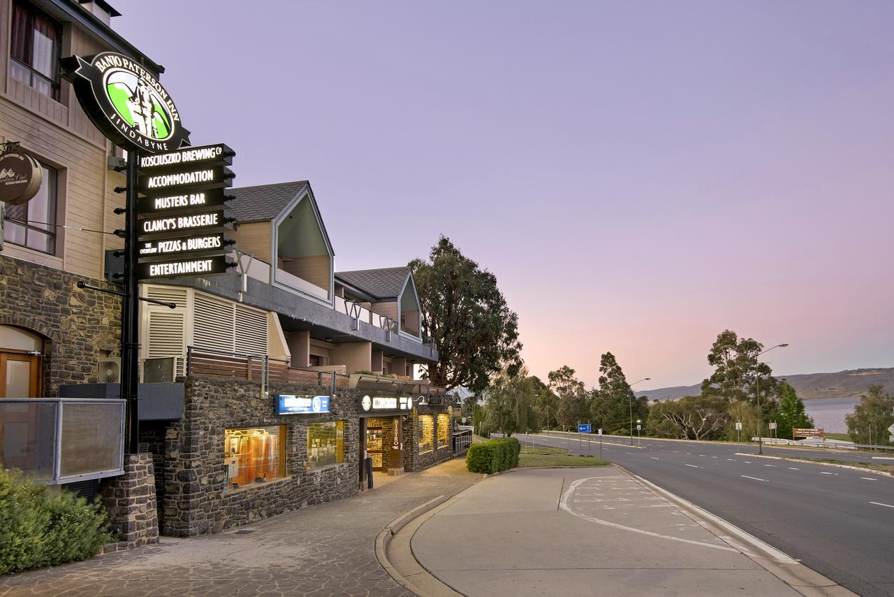 Banjo Paterson Inn - Accommodation QLD