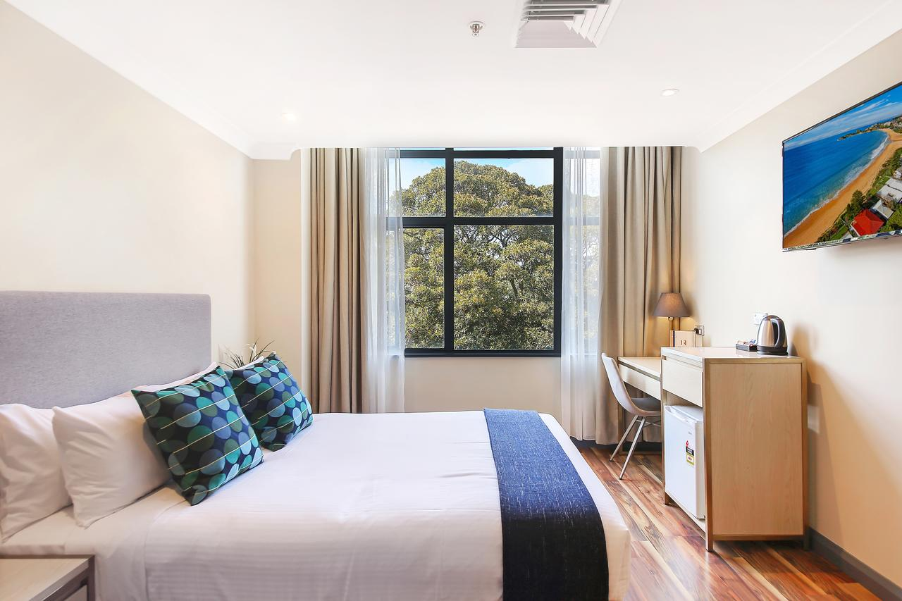 Ryals Hotel - Broadway - Accommodation QLD