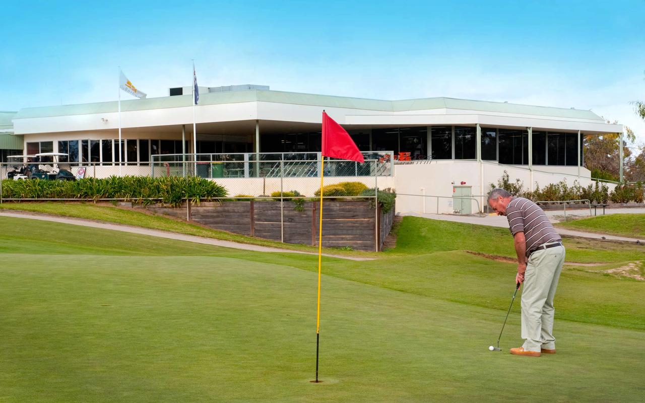 cluBarham Golf Resort - Accommodation QLD