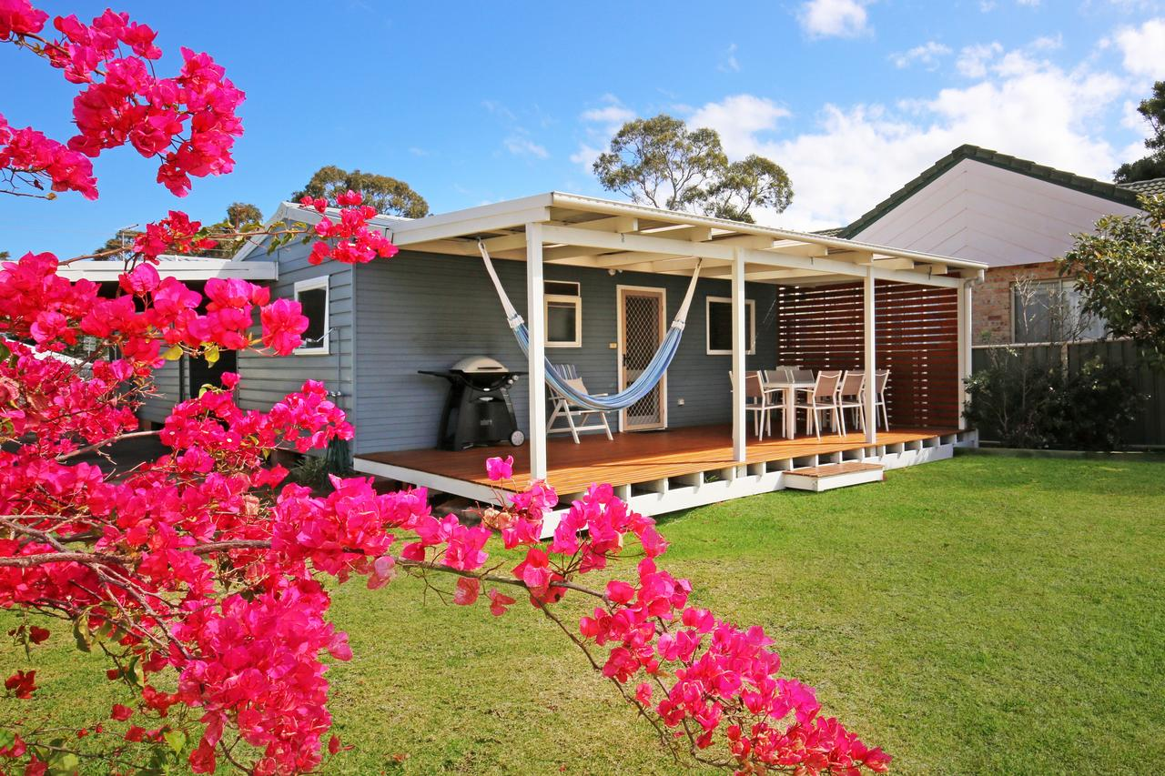 Hayes Beach House - Jervis Bay - Pet Friendly - Accommodation QLD