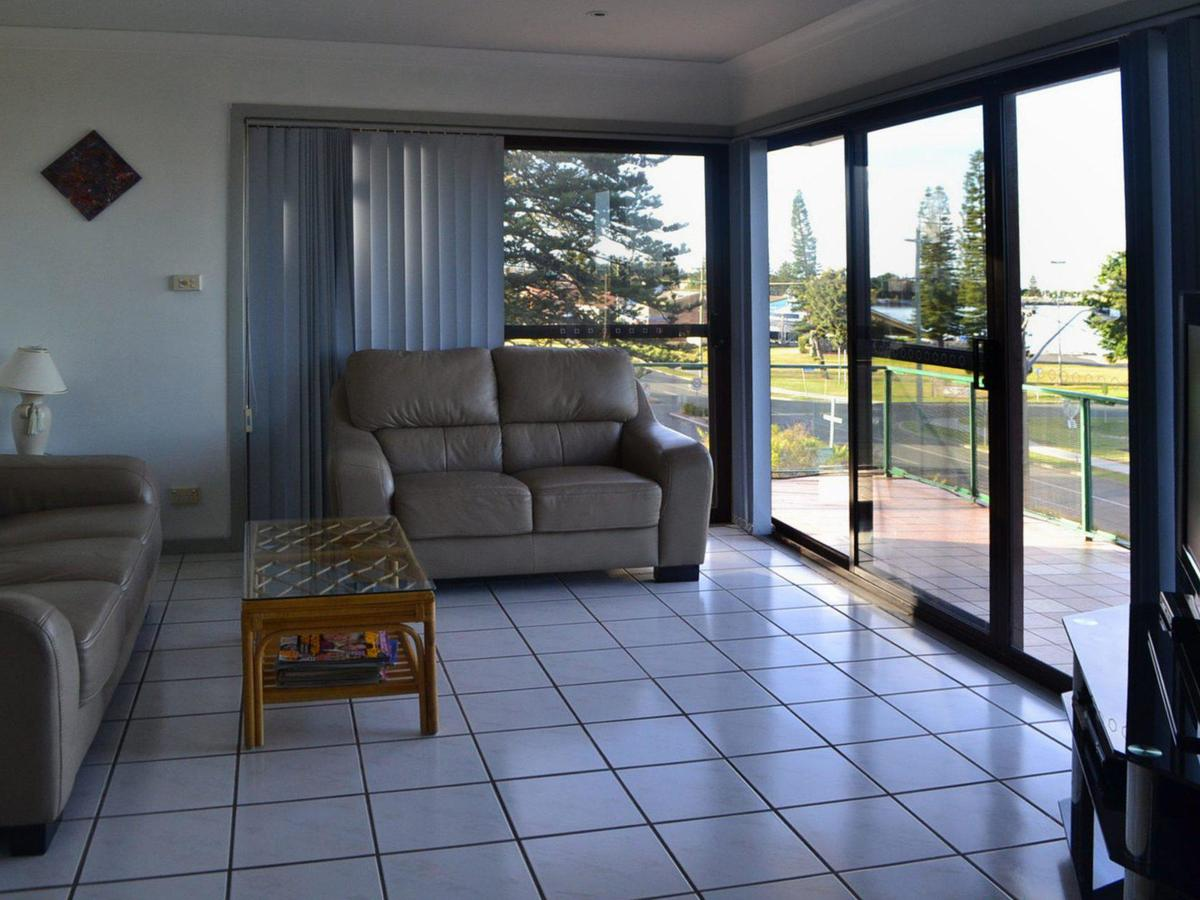 Oxley 8 at Tuncurry - Accommodation QLD