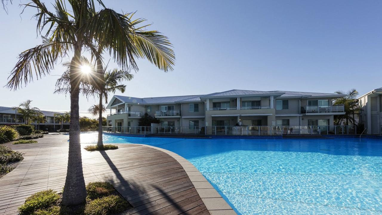 Oaks Pacific Blue Resort - Accommodation QLD