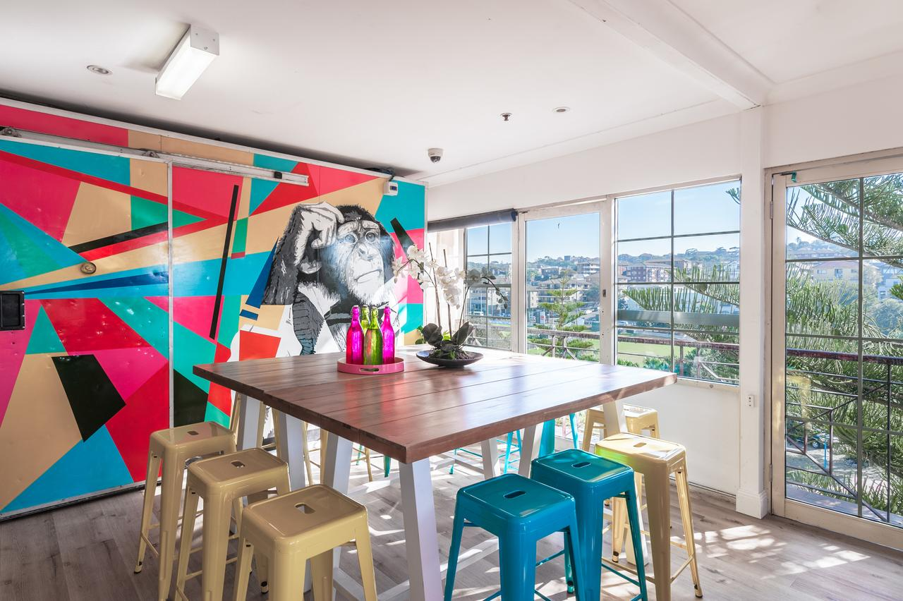 Mad Monkey Coogee Beach - Accommodation QLD