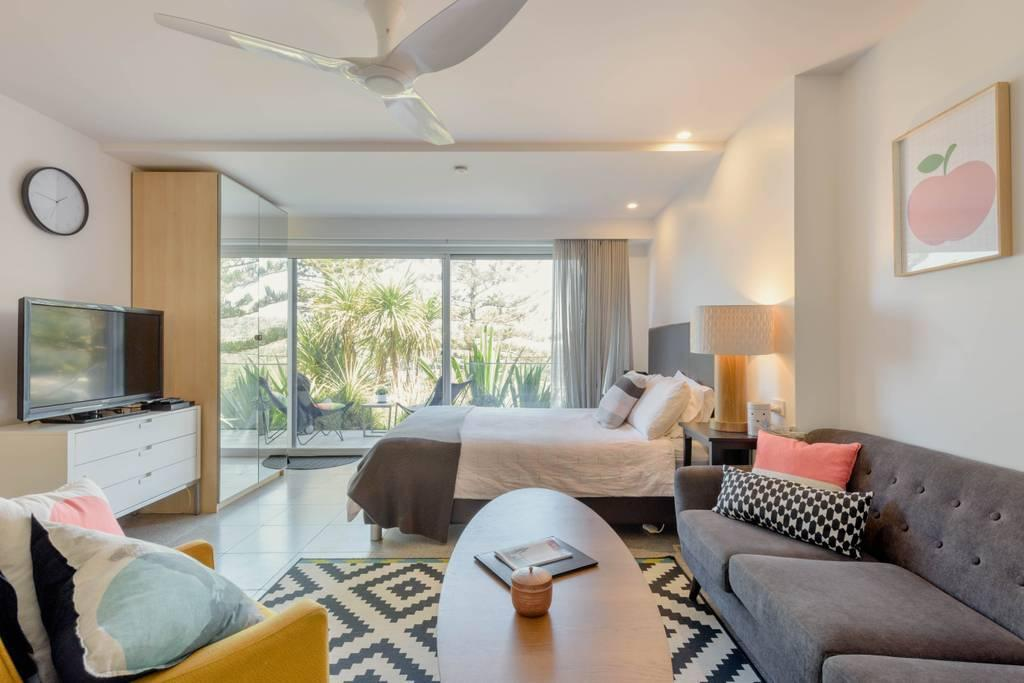 Scandi Beach apartment - Accommodation QLD