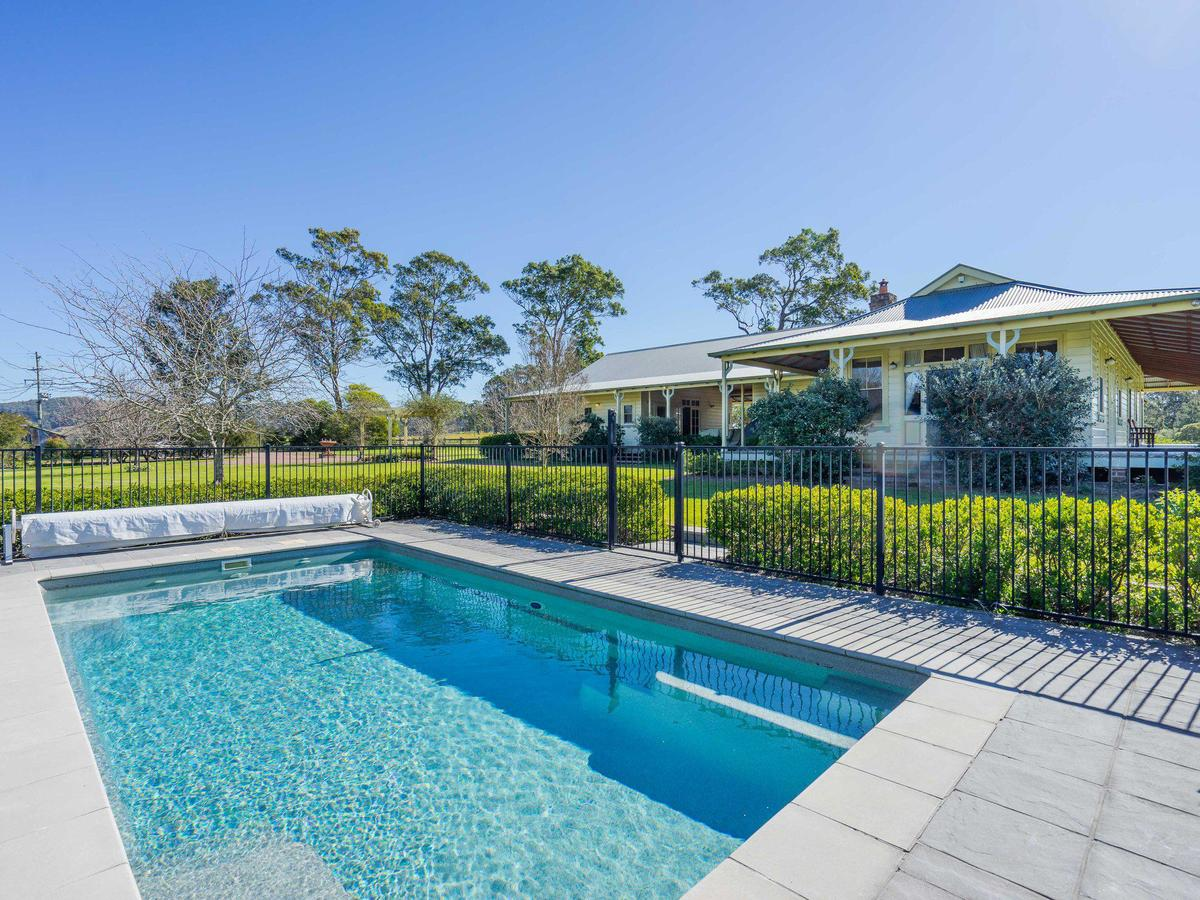 Roscrea Homestead - Luxury Retreat - Accommodation QLD