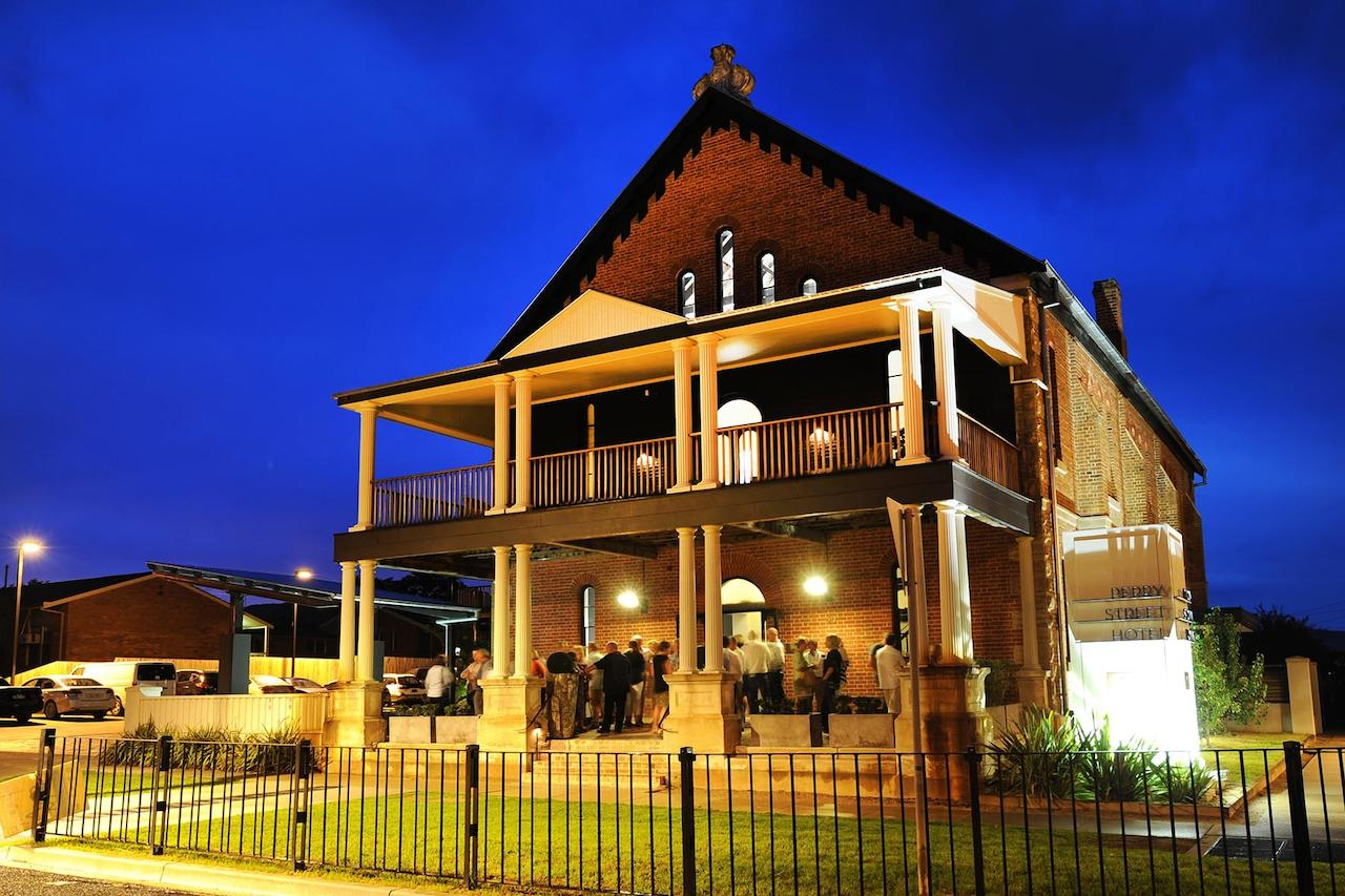 Perry Street Hotel - Accommodation QLD