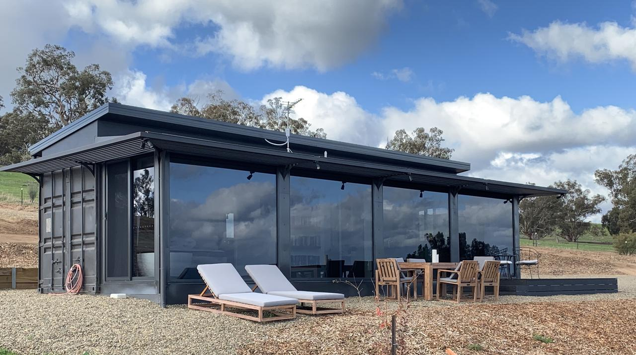 Belisi Farmstay Cottage - Accommodation QLD