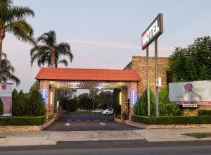 Centrepoint Midcity Motor Inn - Accommodation QLD