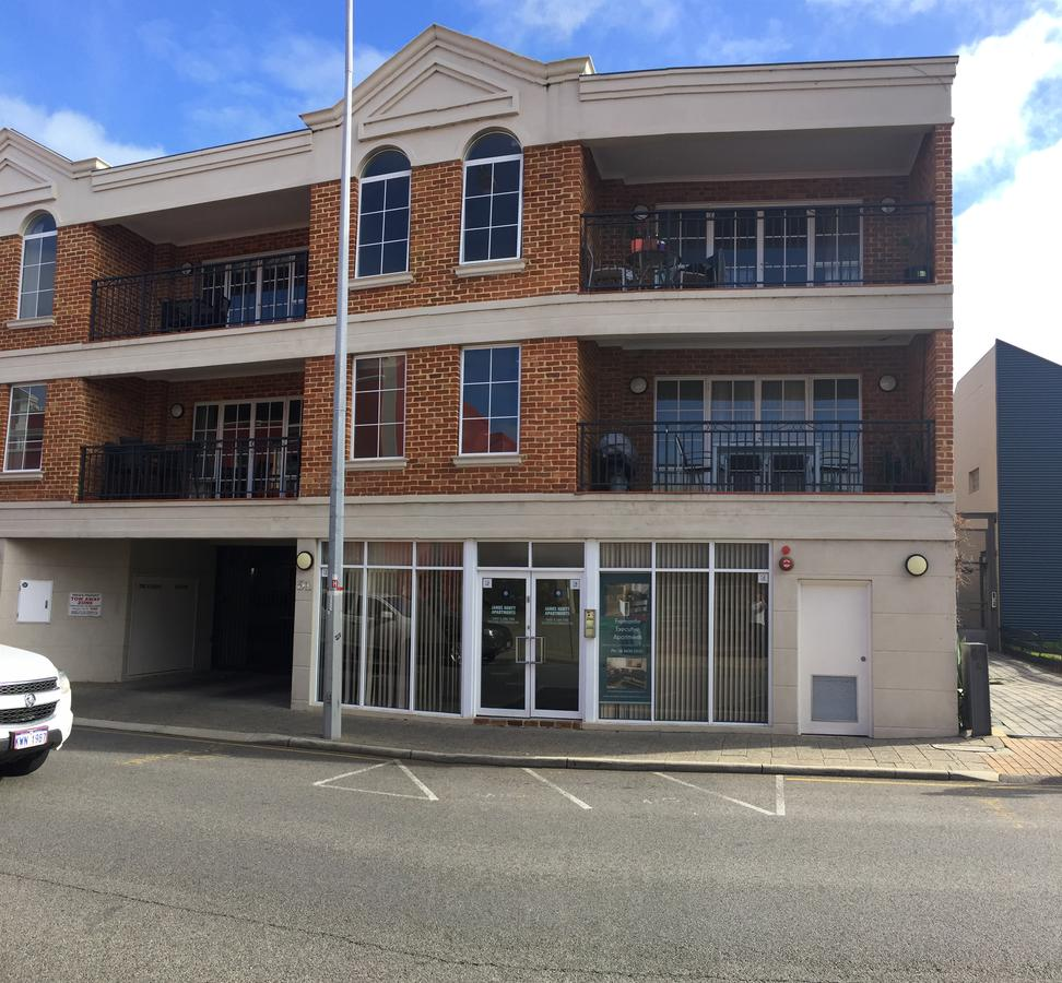 James Henty Apartments - Accommodation QLD