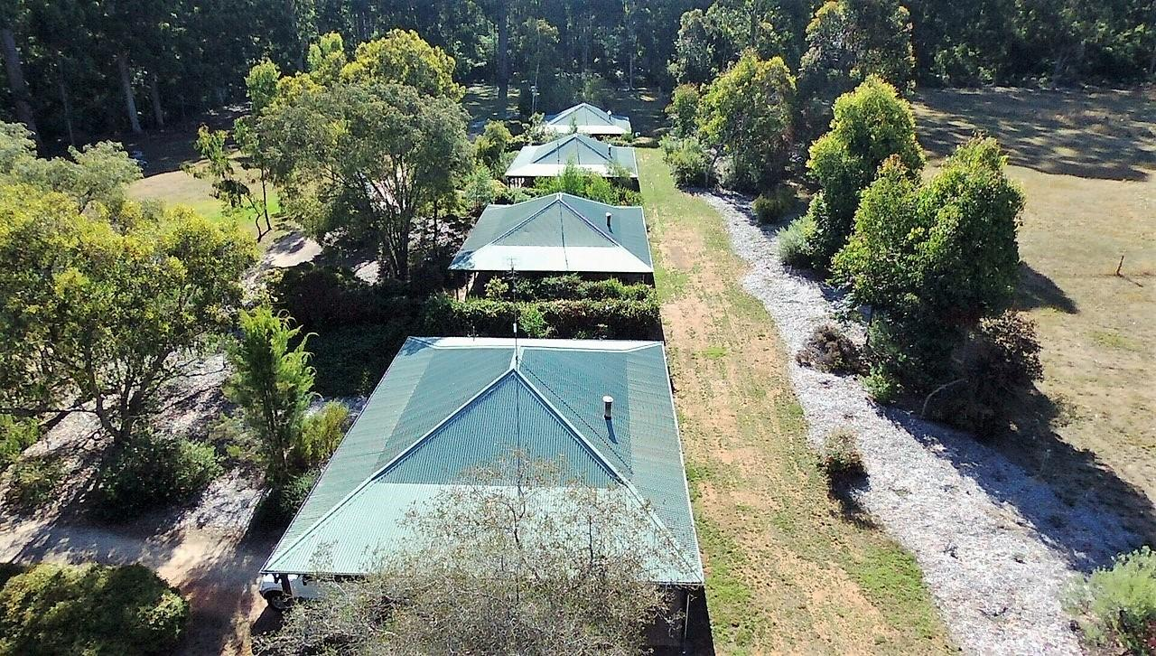 Treenbrook Cottages - Accommodation QLD