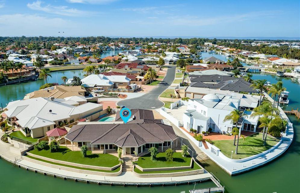 LA ANCHOR ON THE CANALS MANDURAH - Accommodation QLD