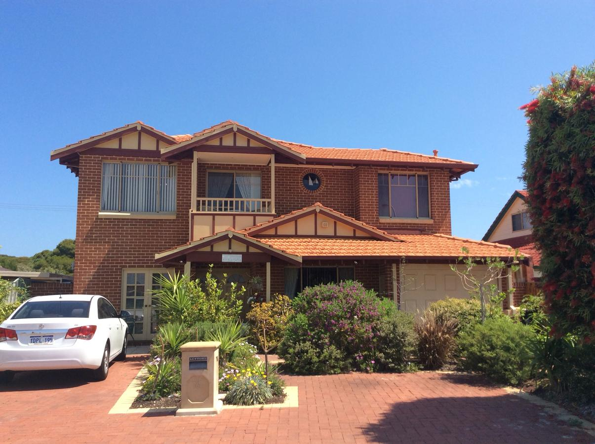 Crossland House - Accommodation QLD