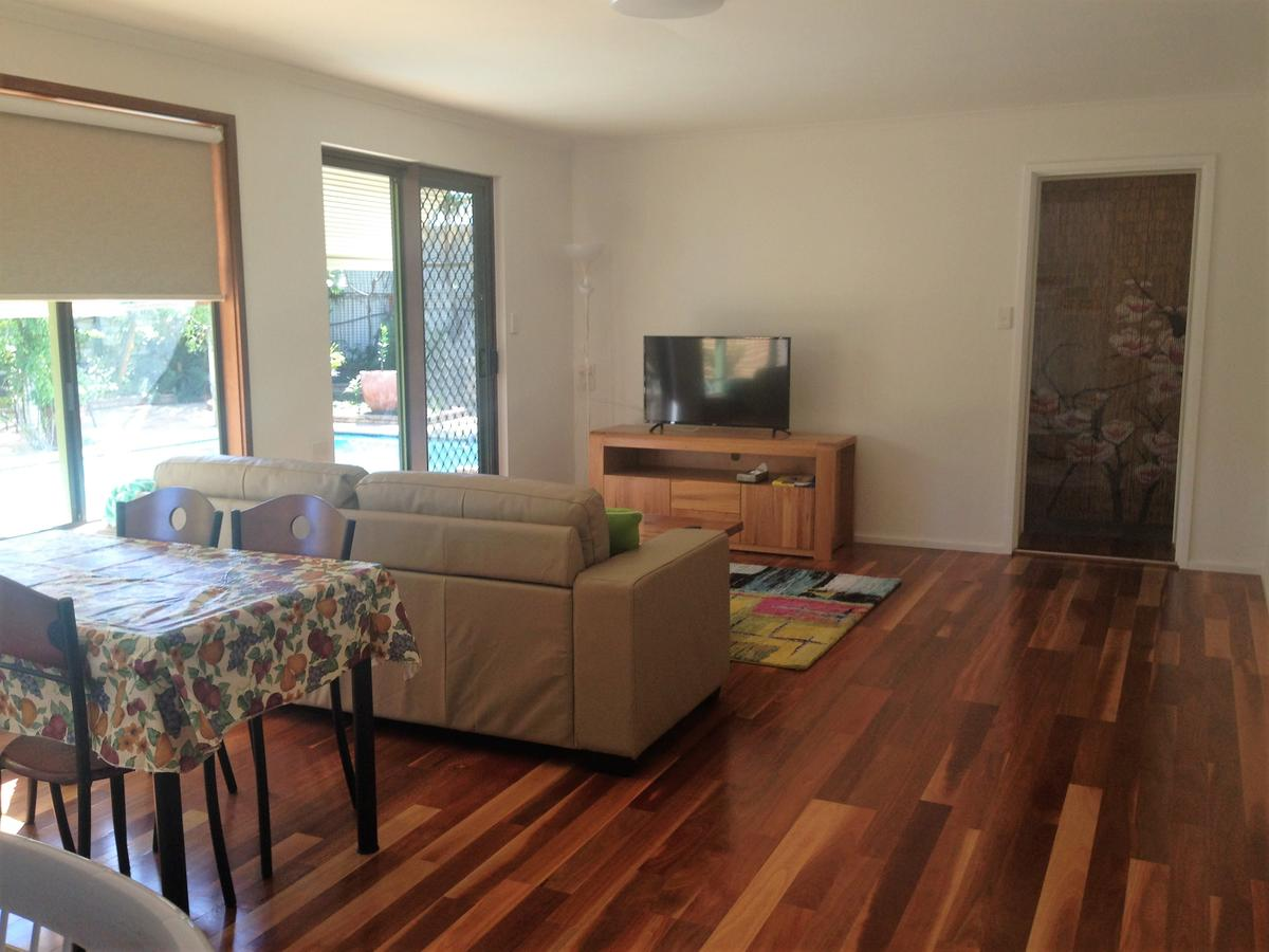 Lemon Tree Lodge - Accommodation QLD