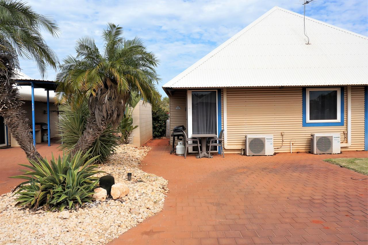 Osprey Holiday Village Unit 213/1 Bedroom - Spa bath king size bed perfect for any couple - Accommodation QLD