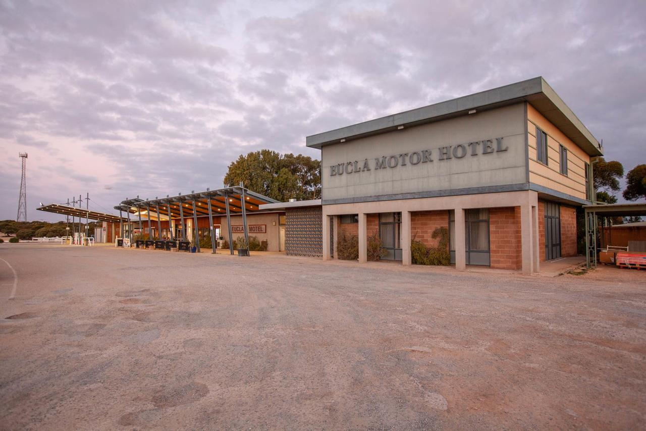 EUCLA MOTOR HOTEL - Accommodation QLD