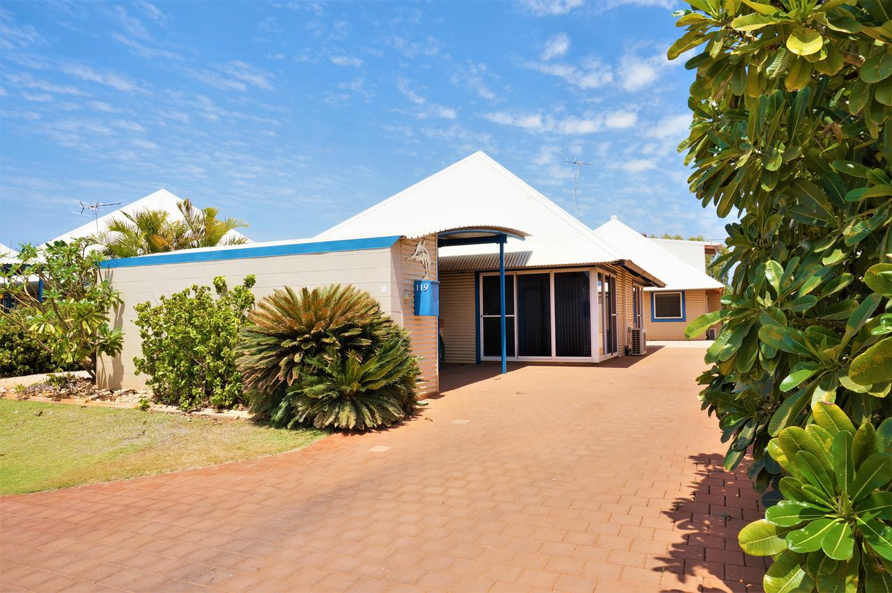 Osprey Holiday Village Unit 119 - Close to the pool - Accommodation QLD