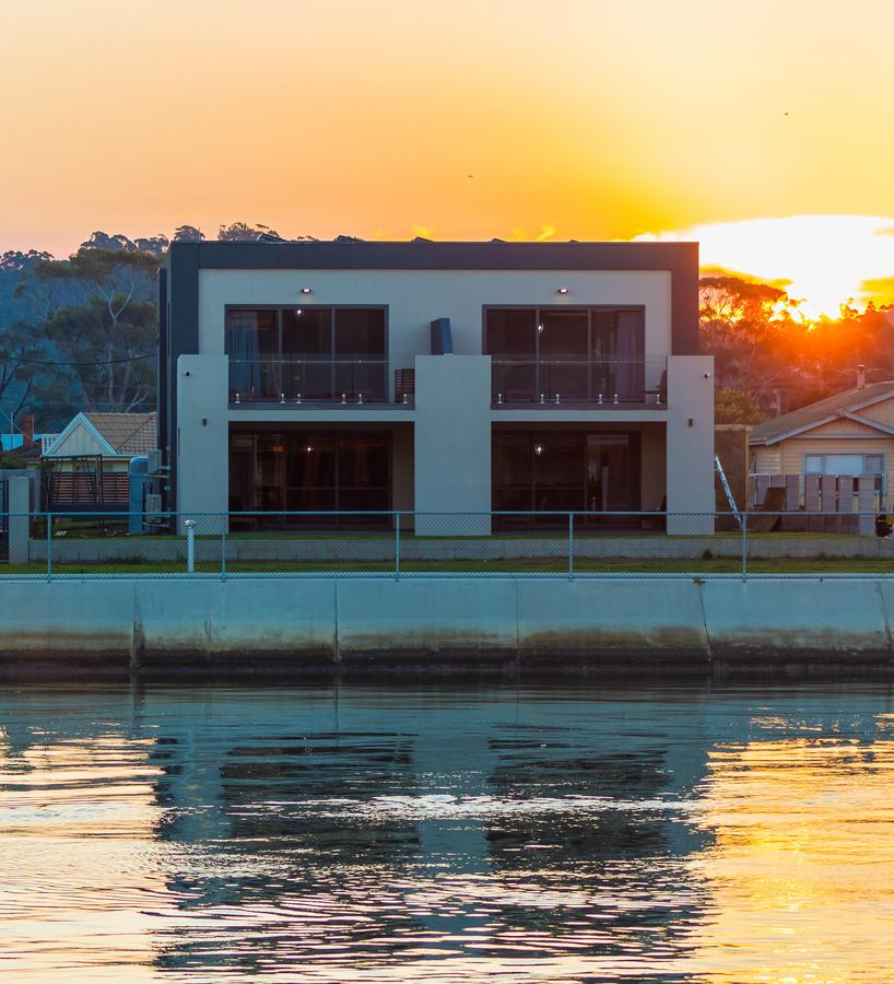 Ulverstone Waterfront Apartments - Accommodation QLD
