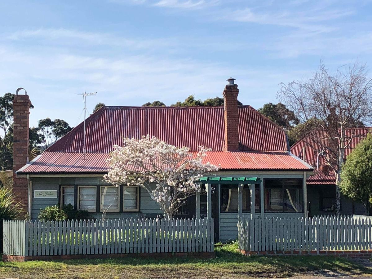 Kerrellie Cottages - Accommodation QLD