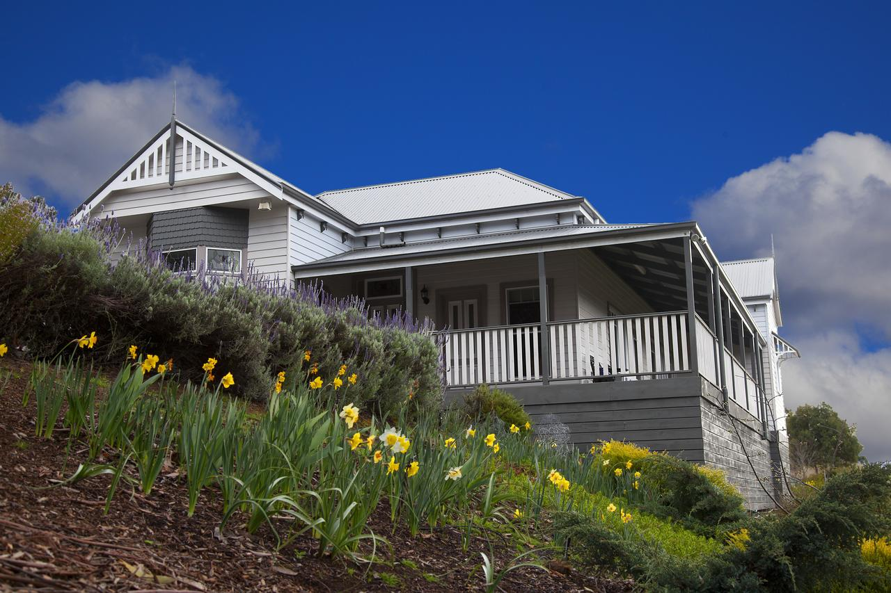 House on the Hill Bed and Breakfast - Accommodation QLD