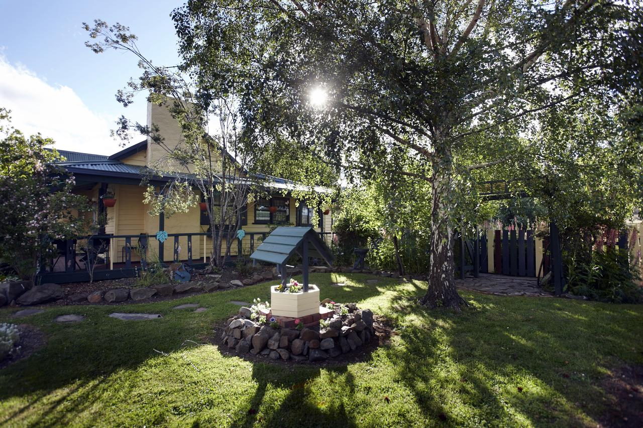 Blue Wren Riverside Cottage - Accommodation QLD